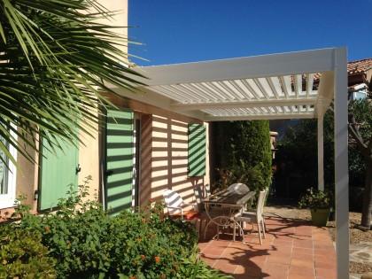 Pergola Bioclimatique – villa à Hyères